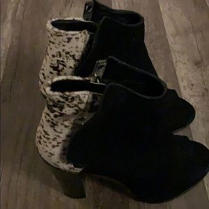 Dolce vita open toed black stacked heels